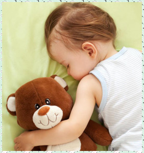 baby-sleeping-with-teddy-bear